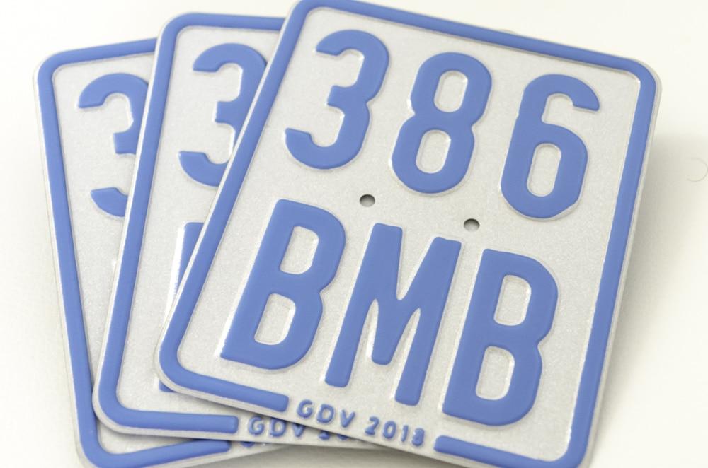 Mofaschild blau 2018 Versicherungskennzeichen Christian Willmann Versicherungsmakler Mannheim Heidelberg Ludwigshafen Rhein-Neckar