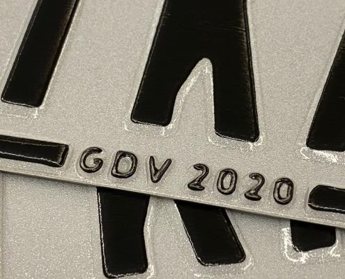Mofaschild 2020 Versicherungskennzeichen Closeup Versicherungsmakler Christian Willmann Mannheim